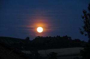 La luna nascente